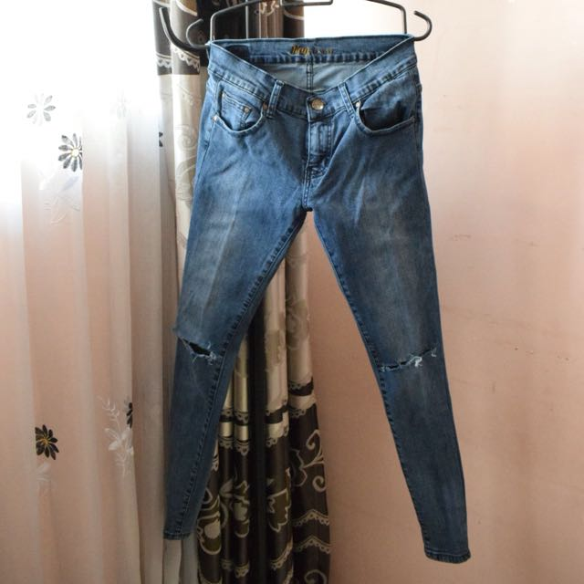 RIPPEDJEANS RODEO LIKE NEW