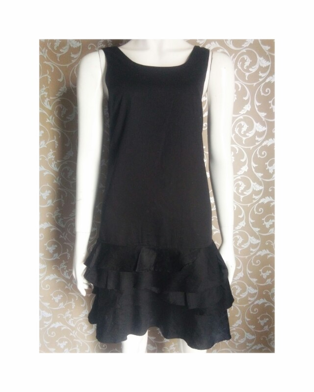 RUFFLE DRESS WITH CUTE BOW ON BACK