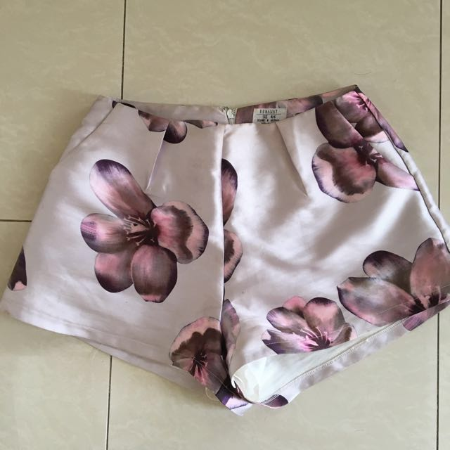 RUNAWAY THE LABEL Floral Shorts