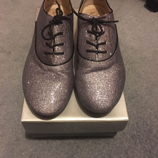 Silver sparkly Wittner flats