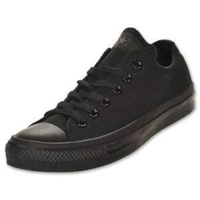 SIZE 10 ALL BLACK CONVERSE