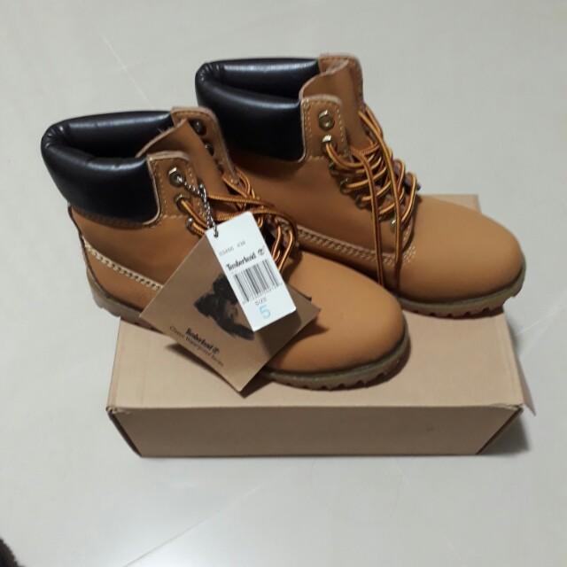 Timberland黃金靴