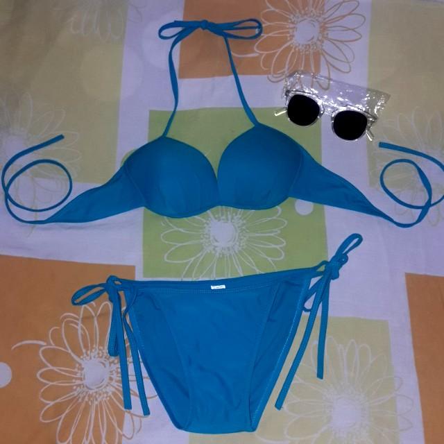 Two Piece Bikini w/ free sunnies