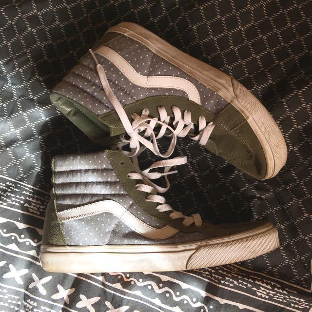 vans sk8-hi sneakers in khaki suede/blue polka dot. size ladies 9.5