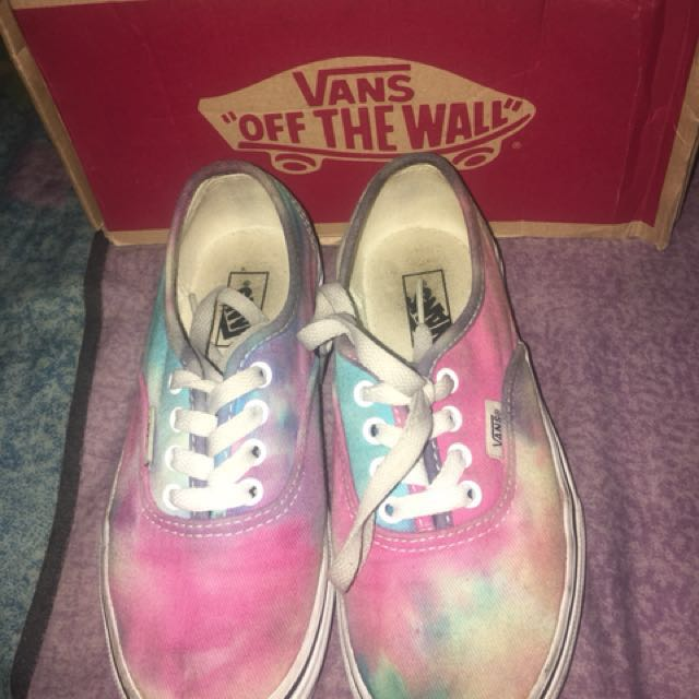 3694f80a014 Vans Sneakers Size 2 US