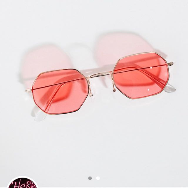Vintage Style Hexagon Sunglasses (Princess Polly)