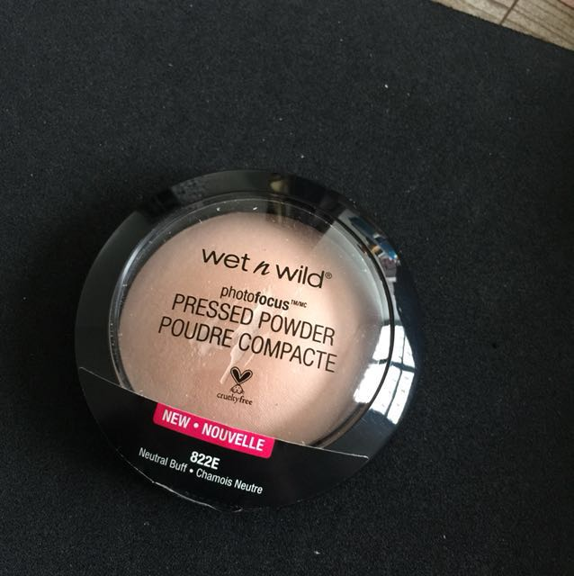 Wet and wild (pressed powder)