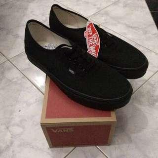 Vans Authentic All black Original (rare item)