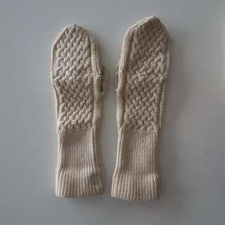 Aritzia gloves