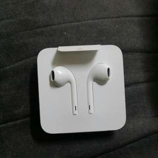 原裝iPhone7p 以上版本耳機 連轉播線