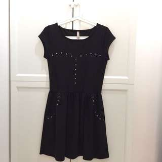 Springfield Black Dress with studs Terusan Hitam Rok