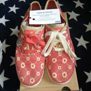RUSH SALE!!! Only 1000 Pre-Loved Authentic KEDS TS Checker Floral