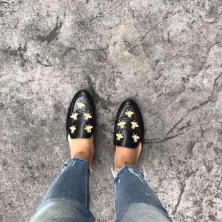 Bee Slip On in Black