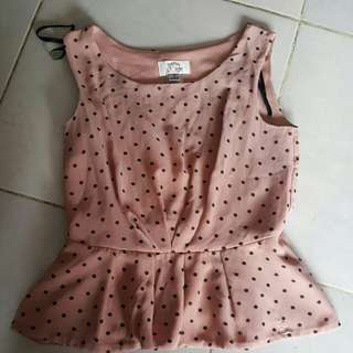 Polkadot top. brand sweet storm size S