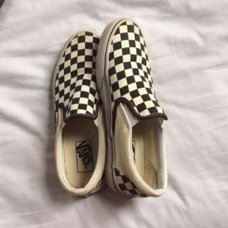 CHECKERD VANS (BRAND NEW)