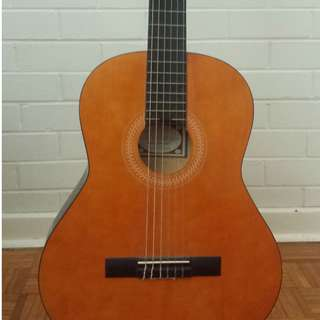 Acoustic Guitar + Stand + Clasp/Capo