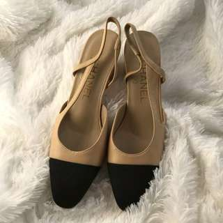 SOLD OUT Authentic Chanel Beige Black Slingbacks 36