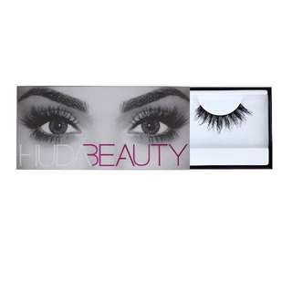 Huda Beauty Eyelash Samantha