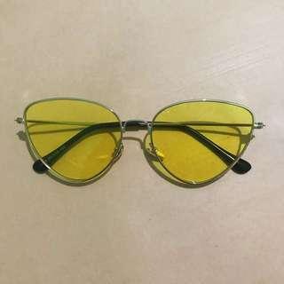 Kacamata korea kuning dan pink