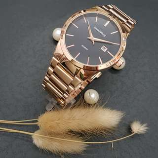 經典黑面 日期顯示斯文腕表-全新