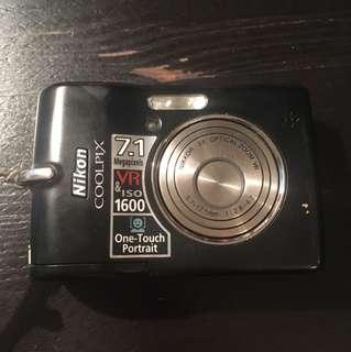Nikon Coolpix L12 Camera