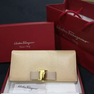 NEW Authentic Salvatore Ferragamo Wallet