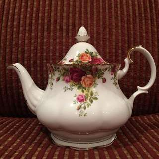 Vintage Royal Albert Old Country Rose teapot