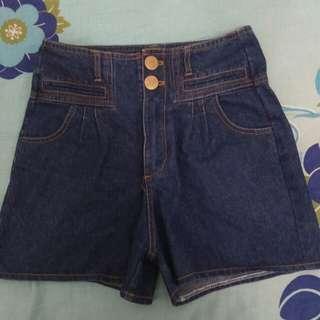 Celana pendek jeans (short)