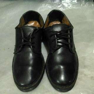 Sepatu kulit retro JJ.Lester