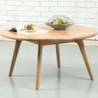 Wooden coffee table for sale (natural colour)