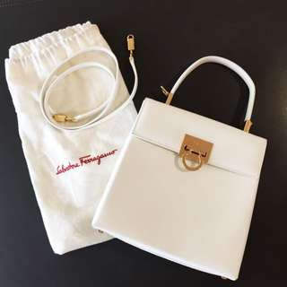 New SALVATORE FERRAGAMO White Top Handle Two-way Bag