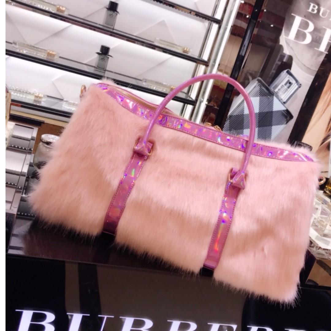 重工定制鐳射幻彩粉紅色仿皮草毛毛旅行袋行李包