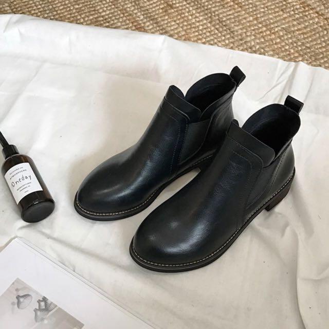 黑色小短靴