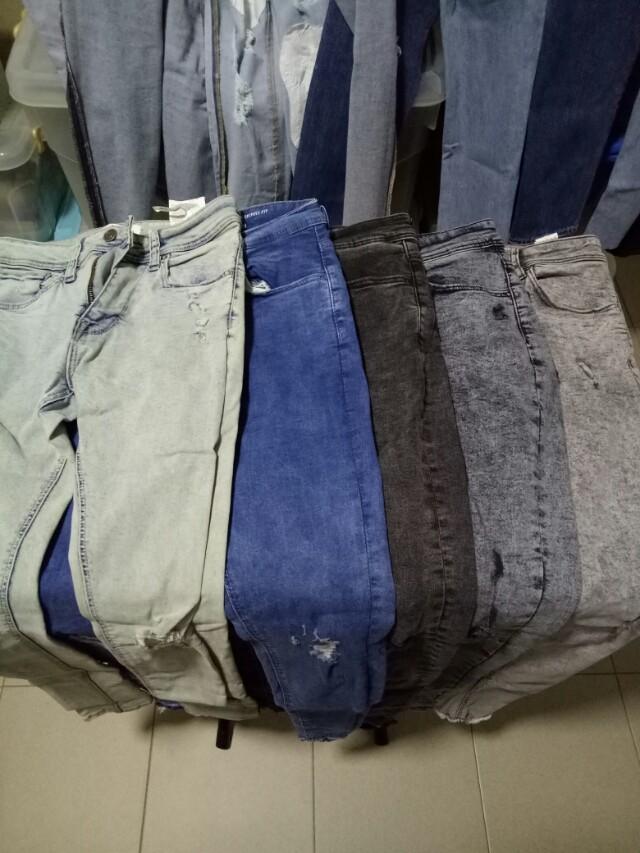 4157eb3c7056a Bershka Super Skinny Fit Faded Jeans