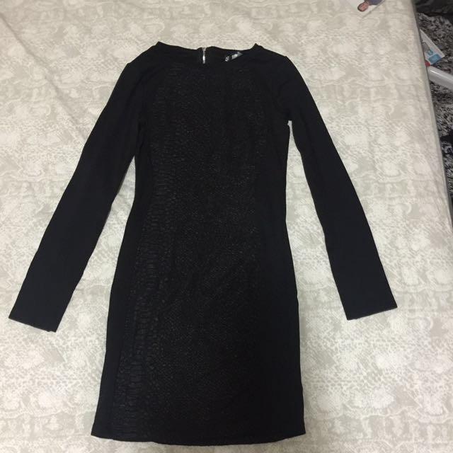 Black fitting dress