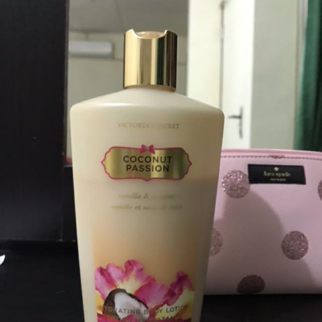 Body lotion Coconut Passion Victoria's secret