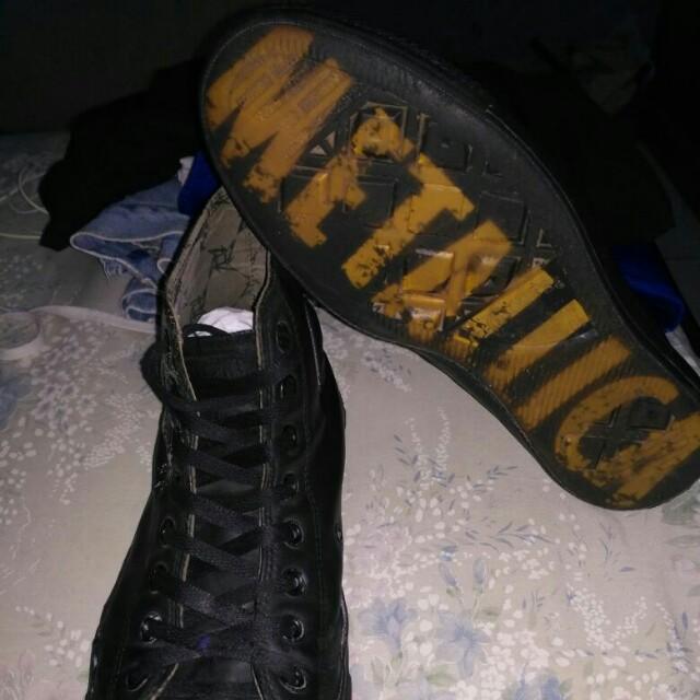 896e83daff44 Converse leather X Metallica
