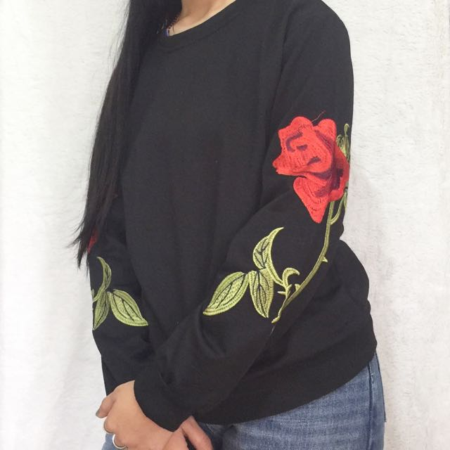 Embroided pullover