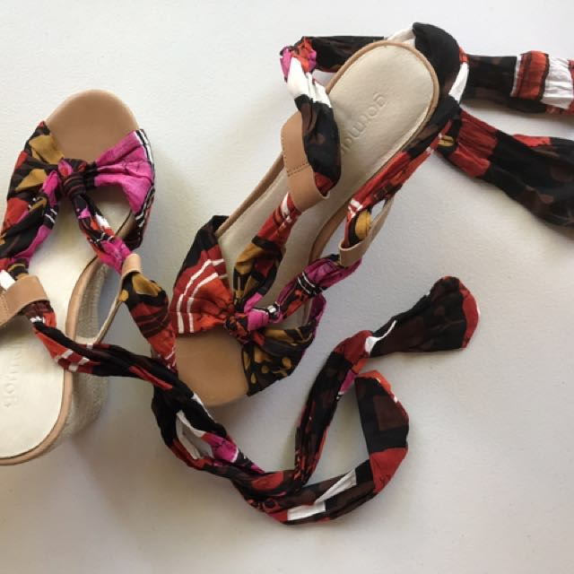 Gorman Wedges With Colourful Tie Ups 8