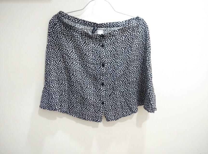 H&M daisy flare skirt
