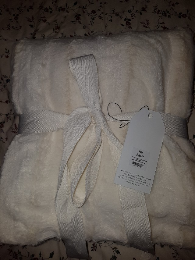 Indigo Cozy Faux Fur Throw Ivory