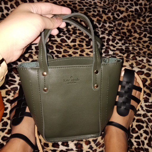 Kate Spade ♠ sling and hand bag