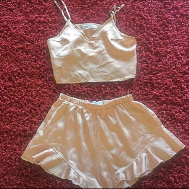 Mura boutique 2 piece set satin size 8