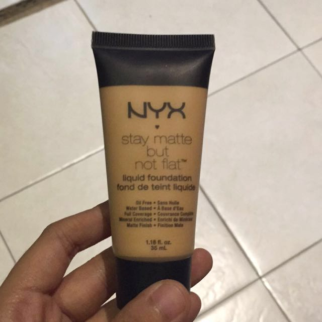 NEW NYX LIQUID FOUNDATION