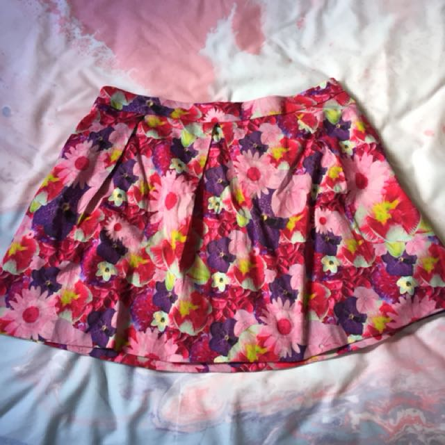 New Without Tags ASOS floral size 18 floral skater skirt