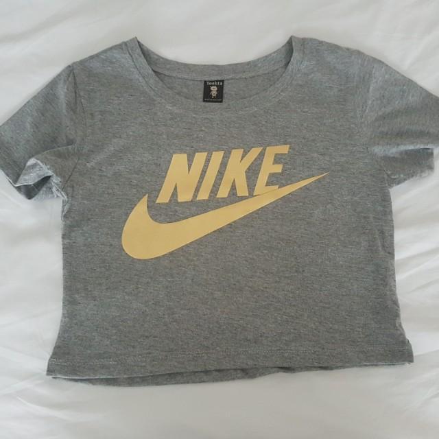 Nike crop top (Size 6-8)