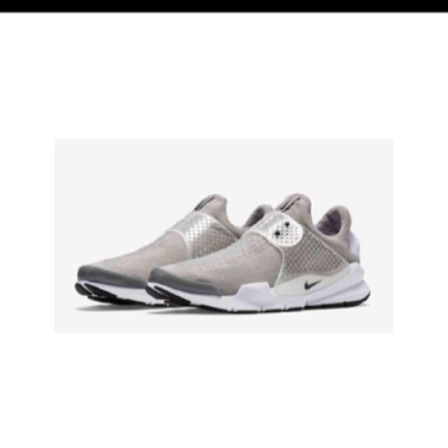 Nike sock dart 23 US4
