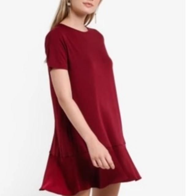 Panelled t shirt maroon dress by zalora size s