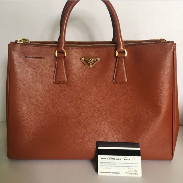 Prada saffiano bn1786 bacca authentic