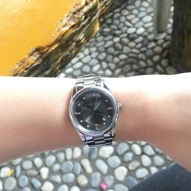 REPRICED - Authentic Michael Kors watch